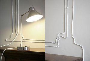 Чем прикрепить кабель к стене