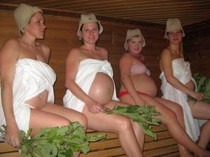 Картинки по запросу беременная в бане